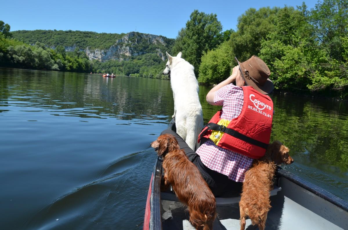 Dordogne Kanufahren mit Silke und den Hunden
