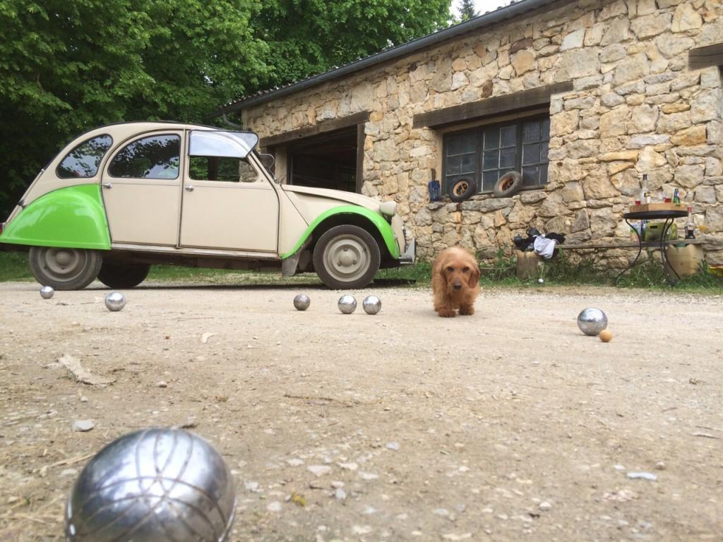 Boule Spiel auf dem Hof - Le Colombié