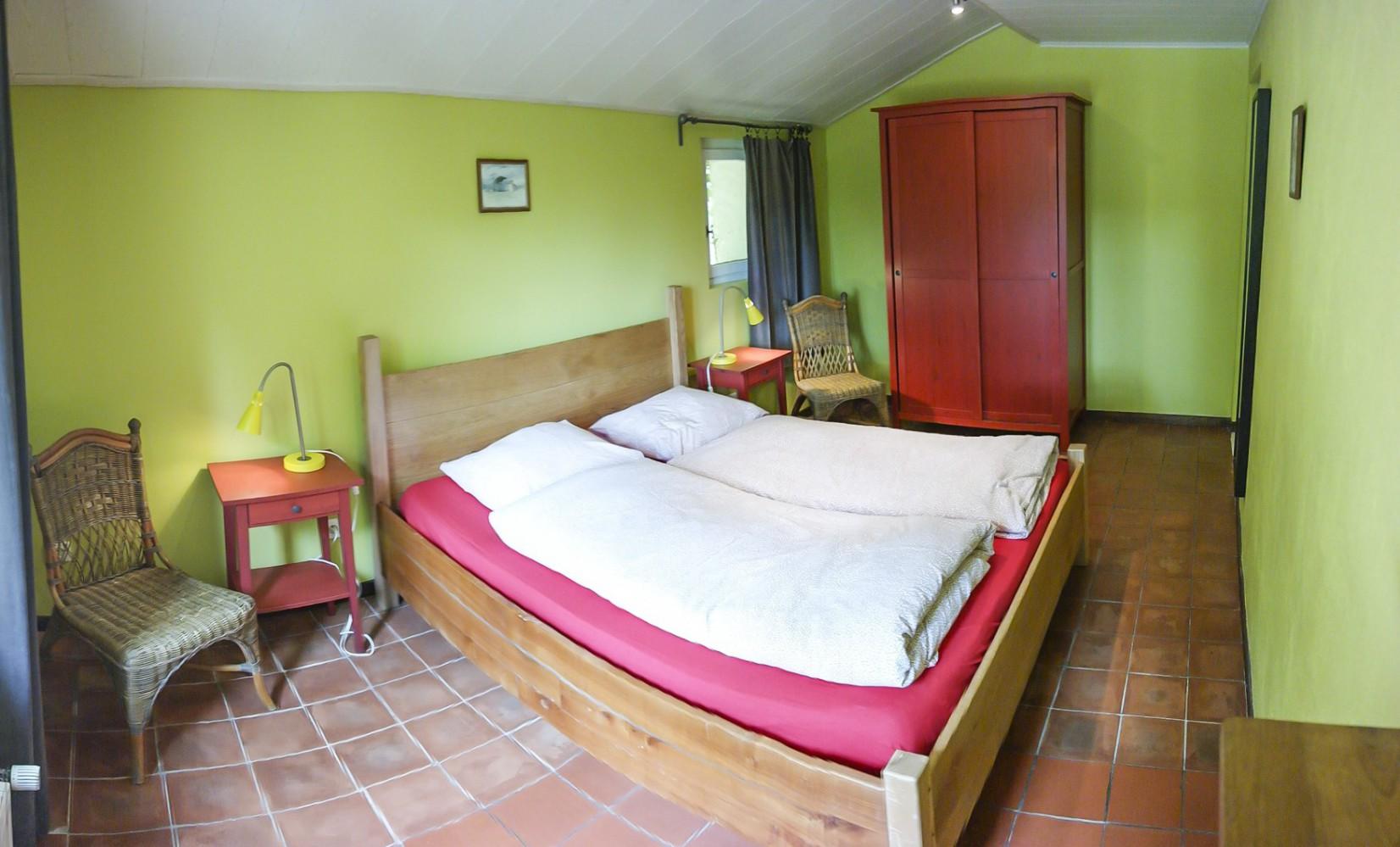 Owi Schlafzimmer unten 1