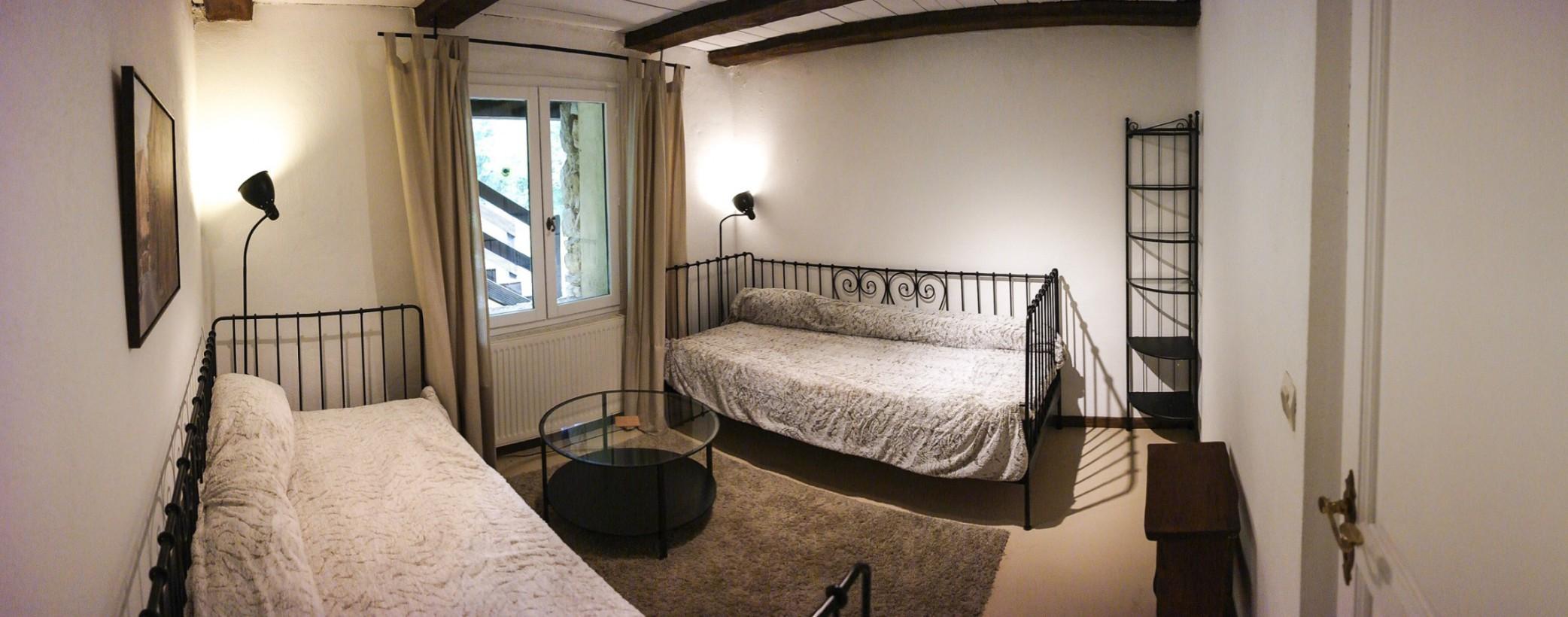 Owi Schlafzimmer unten 3